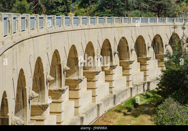Morning view of historical bridge in Hollywood reservoir at Los Angeles, California - Stock Image