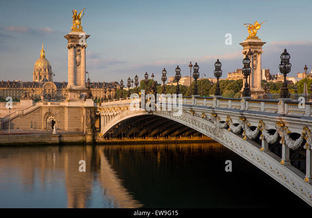 Dawn over River Seine, Pont Alexandre III and Hotel les Invalides, Paris, France - Stock Image