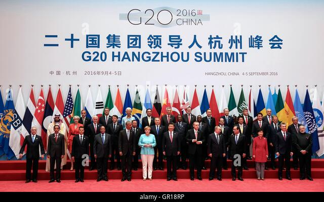 Hangzhou, China. 5th September, 2016. World leaders stand for a group photo during the opening session of the G20 - Stock-Bilder