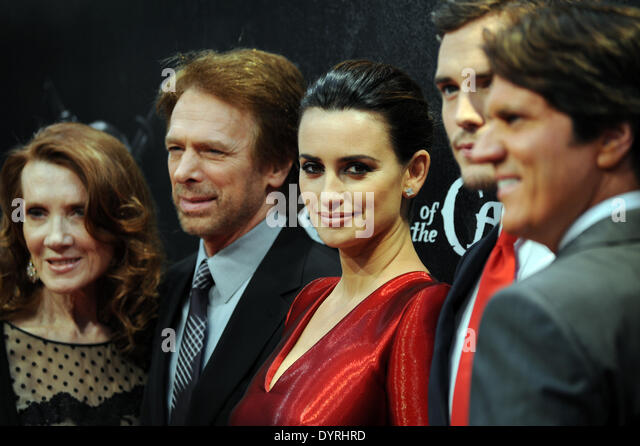 Penelope Cruz and Jerry Bruckheimer at the film premiere of 'Pirates of the Caribbean 4' in Munich, 2011 - Stock Image