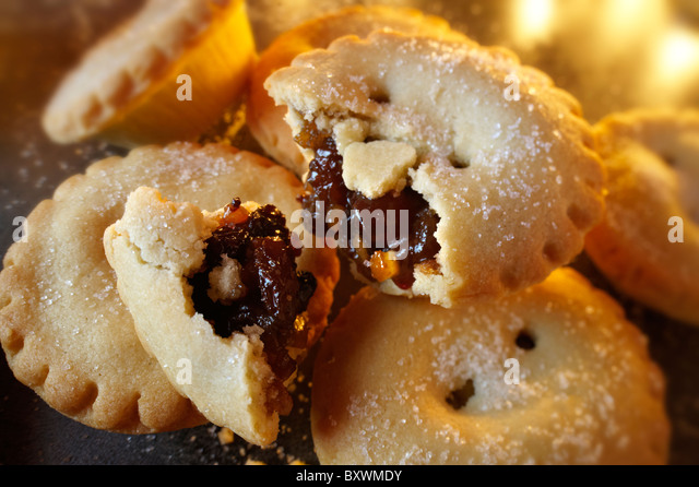 Traditional Christmas Mince Pies - Stock Image