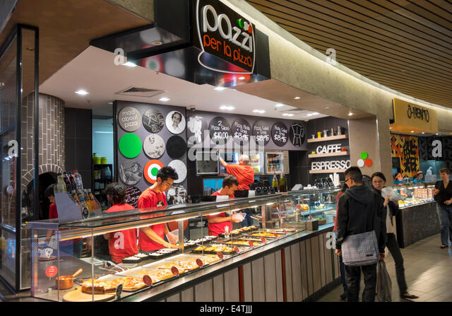 Melbourne Australia Victoria Central Business District CBD Central center centre mall food court Pazzi per la Pizza - Stock Image
