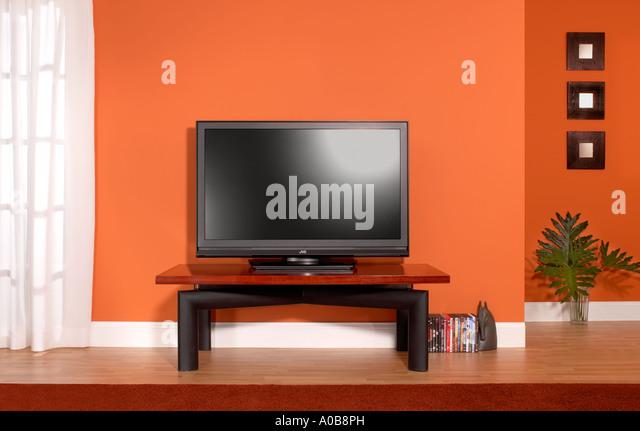 Plasma TV Fernseher LCD-Monitor im horizontalen Raum Stockbild