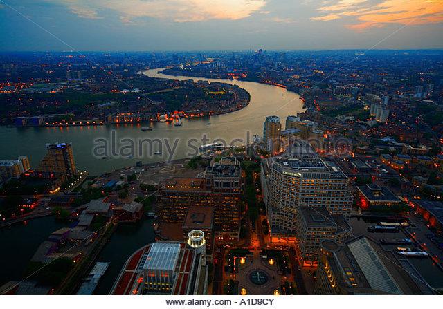 BLICK VOM CANARY WHARF AUF DOCKLANDS UND CITY OF LONDON, LONDON, UK - Stock-Bilder