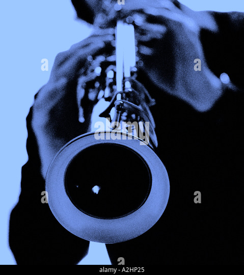 Sopran, gespielt von Musiker mit flachen Fokus auf einem weißen Hintergrund Stockbild