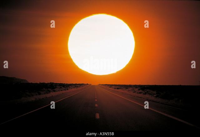 Straße Natur Himmel Sonne Felder Stockbild