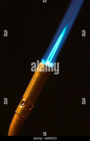 Propan-Lötlampe mit blauer Flamme Stockbild