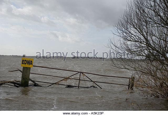 landwirtschaftlichen Flächen überflutet Norfolk uk Stockbild