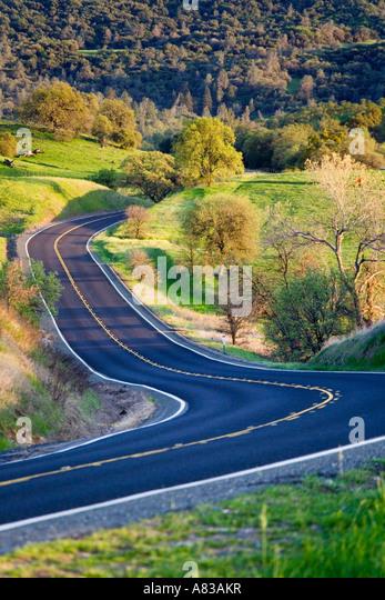 Windig Road in der Sierra Nevada Ausläufer Kalifornien Stockbild