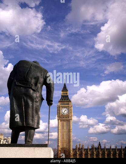 GB - LONDON: Statue von Sir Winston Churchill am Bundesplatz Stockbild