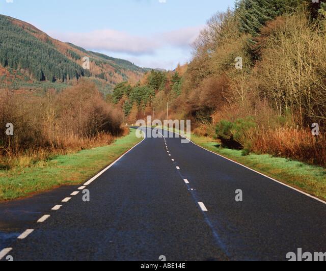 Weg durch die Landschaft Stockbild