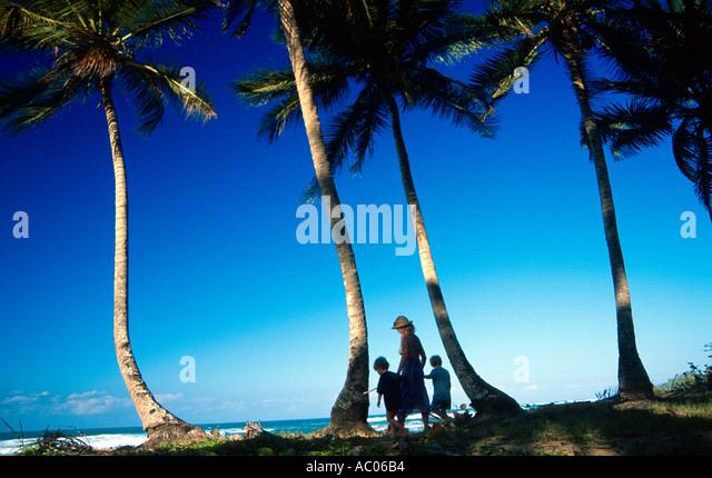 Mutter und zwei Kindern Sol de Plata Beach Dominikanische Republik Hispaniola Karibik Lukas Hanna Oscar Hanna Paula Stockbild