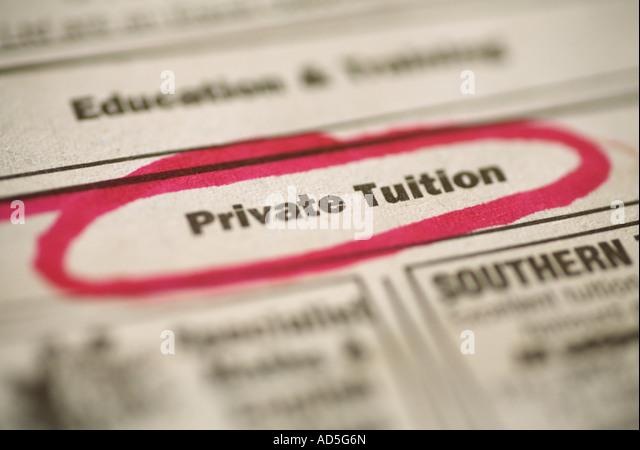 Zeitungsanzeige für Privatunterricht Stockbild