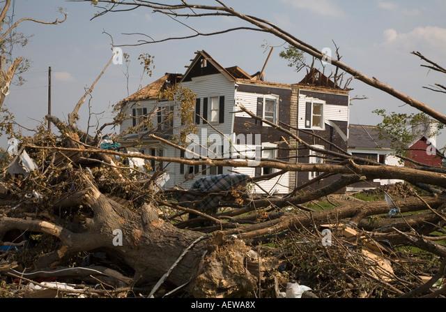 Potterville Michigan A nach Hause durch einen Tornado mit einem fehlenden Dach schwer beschädigt Stockbild