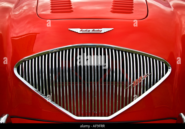 Eine Nahaufnahme von einem makellos roten Austin Healey 100 M. Goodwood Revival West Sussex UK 2007 Stockbild