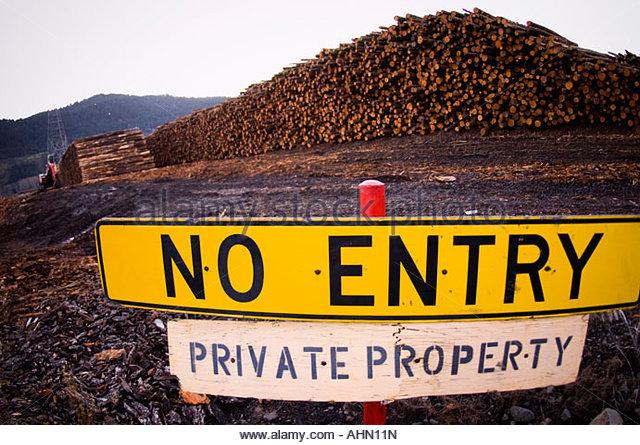 Kein Eintrag Zeichen außerhalb Holzhof Stockbild