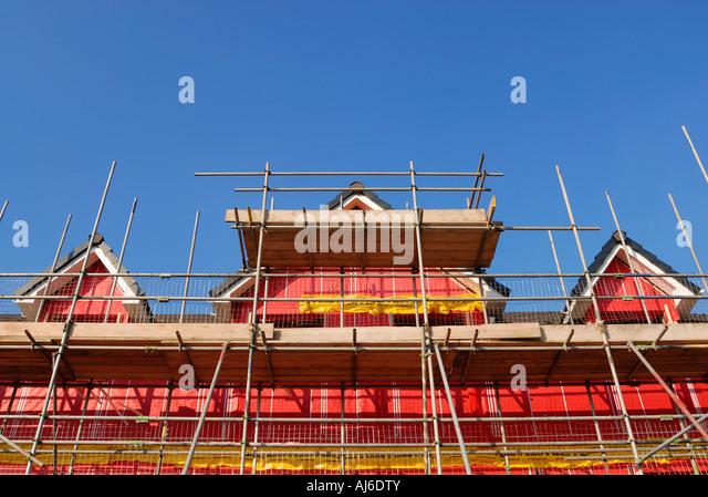 Neue Umwelt freundlich Wohngebäude zeigt das rosa Hohlraum Isolationsmaterial für den Bau verwendet. Stockbild