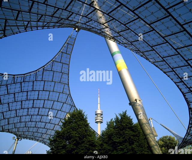 DE - Bayern: Olympiastadion und Fernsehturm in München Stockbild
