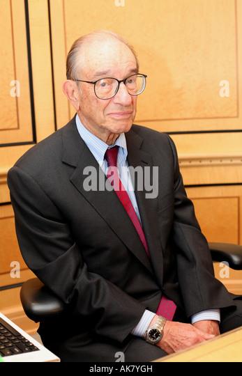 Alan Greenspan in seinem Büro in Washington DC für die Geschichte von Ed Conway Pic Chris Bott Stockbild