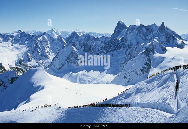 Die Arret du Midi auf die Aiguille du Midi neben Mont Blanc den Start der weltweit längsten und bekanntesten Stockbild