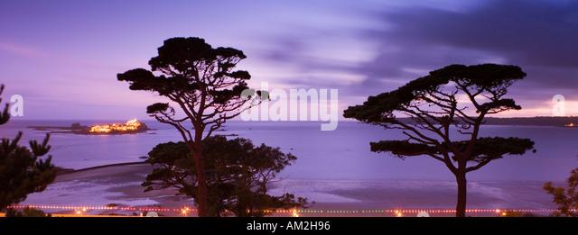 Kanal Inseln Jersey Elizabeth Castle St Aubins Bay St Neuss in der Abenddämmerung Stockbild