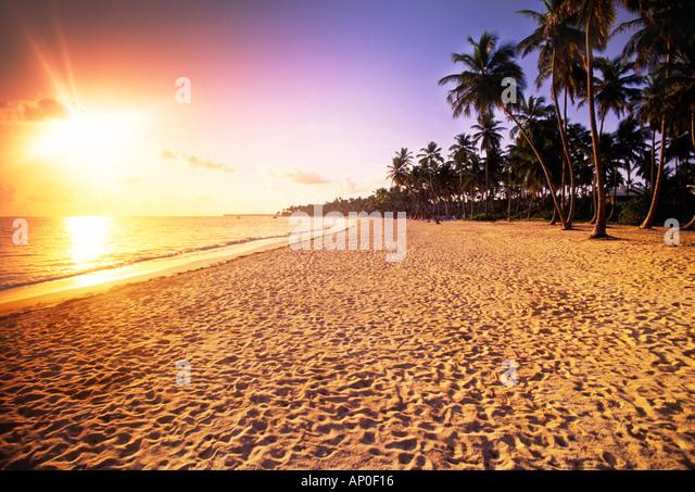 Sonnenaufgang an einem tropischen Strand Punta Cana Dominikanische Republik Stockbild