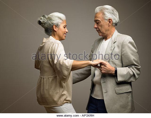 Paare tanzen Stockbild