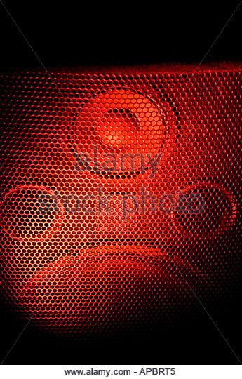 Lautsprecher-Rotlicht-Rock-Band verstärkt Turm Tieftöner Subwoofer Lautsprecher Stockbild