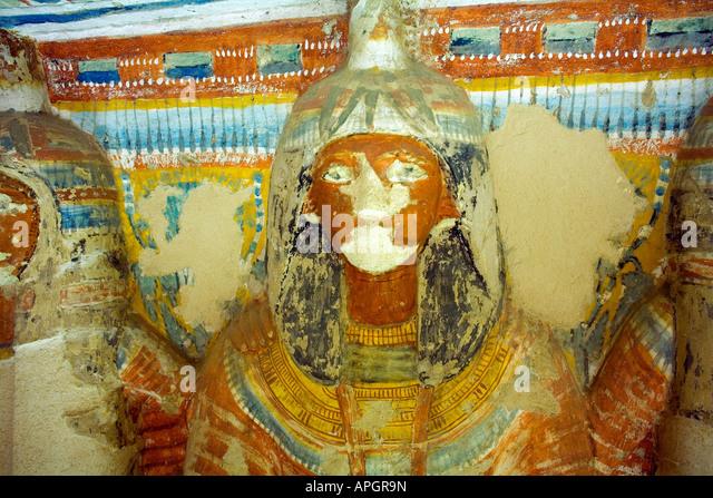 Bunten Wandmalereien im Grab des Nefer Ronpet an den Gräbern der Adligen am Westufer des Nils in Luxor Ägypten Stockbild