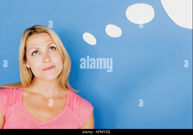 Frau mit Gedankenblase Stockbild