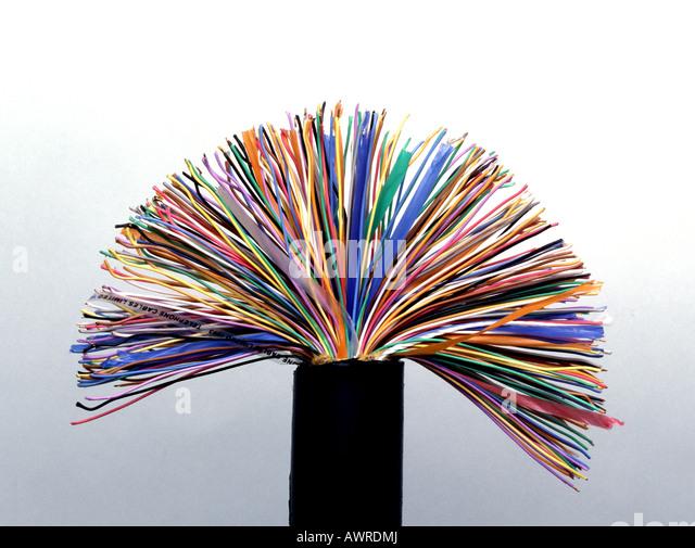 Telefon-Leitungen in einem Kabel Stockbild