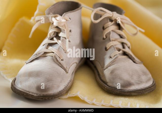 Nahaufnahme von Baby-Schuhe Stockbild