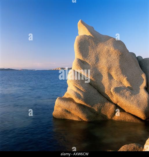 Wind erodiert Granitfelsen, Costa Smeralda, Sardinien, Italien, Mittelmeer, Europa Stockbild