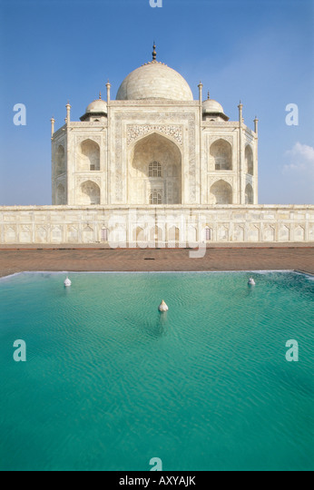 Das Taj Mahal in Teich, UNESCO-Weltkulturerbe, Agra, Uttar Pradesh Zustand, Indien, Asien Stockbild