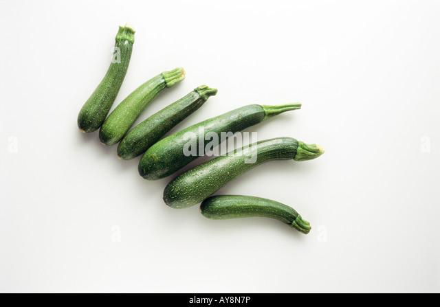Einige Zucchinis, erhöhte Ansicht Stockbild