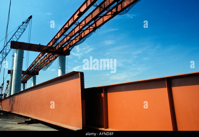 Stahlträger auf Überführung Baustelle Stockbild