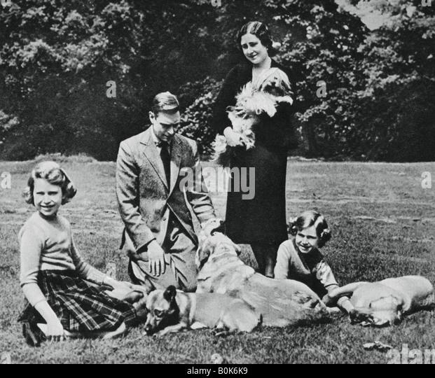 Königsfamilie als glückliche Gruppe der Hunde-Liebhaber, 1937. Künstler: Michael Chance Stockbild