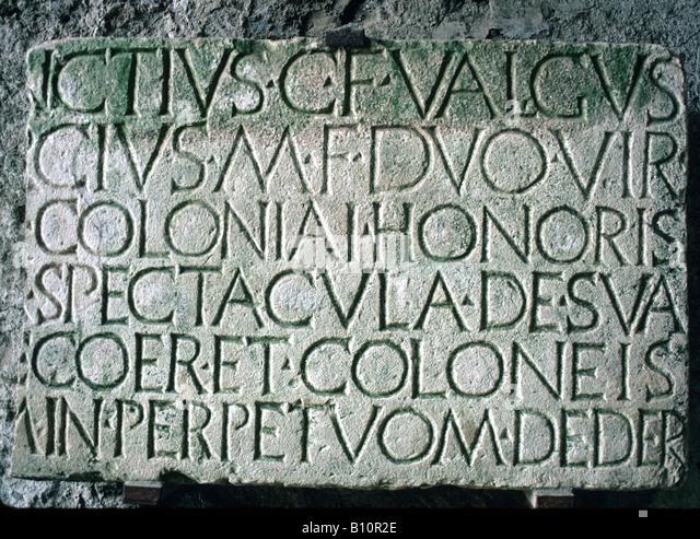 Pompeji Amphitheater lateinische Inschrift Grundstein 80 BC Italien Copyright AAA Sammlung Stockbild