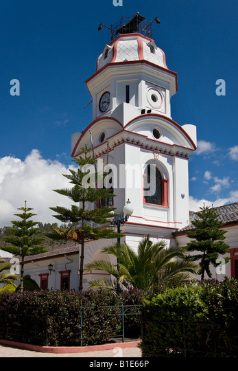 Uhrturm in Pujilí Dorf in der Provinz Cotopaxi in Ecuador Stockbild
