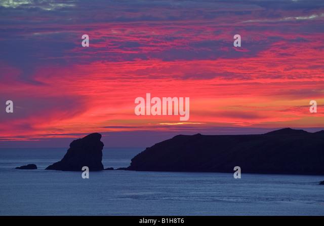 Sonnenuntergang über Skomer Island Pembrokeshire Wales Stockbild