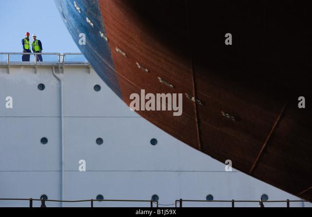 Porträt von zwei Hafenarbeiter Stockbild