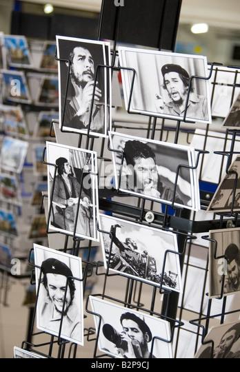 Tourist-Postkarten zum Verkauf der marxistischen Revolutionshelden Ernesto Che Guevara Havanna Kuba Stockbild
