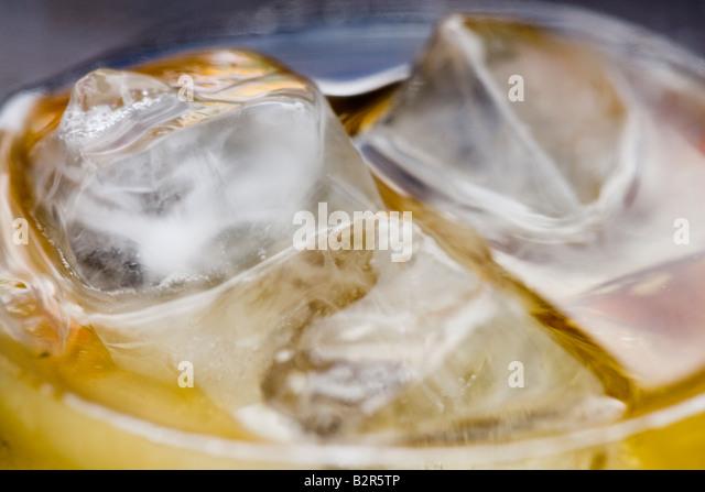 Apfelwein, Eis, Glas, Flüssigkeit, Nahrung, Getränk, Ice Cube, Alkohol, Party, Flasche, berauschen, Essen Stockbild