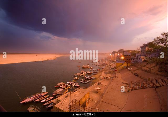 Mann Mandir Ghat, Varanasi (Benares), Uttar Pradesh, Indien, Subkontinent, Asien Stockbild