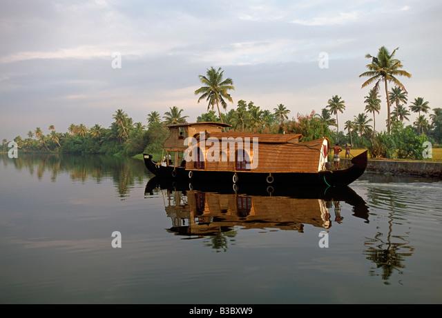 Ein typischer Tourist-Hausboot auf den Backwaters von Kerala, Südindien Stockbild