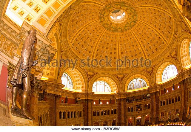 Statuen von berühmten Gelehrten über die Main Lesung Zimmer Thomas Jefferson Building The Bibliothek der Stockbild