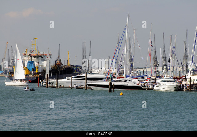 Southampton Boat Show 2008 auf Southampton Wasser England UK Stockbild