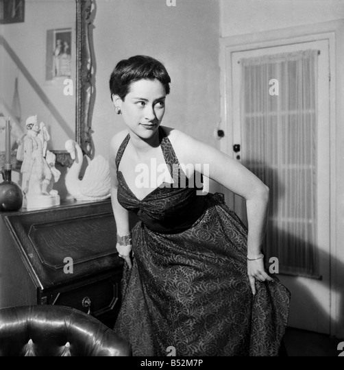 """Schauspielerin Gillian Owen star der """"1066 und alle, die"""". Dezember 1952   C6242-002 Stockbild"""