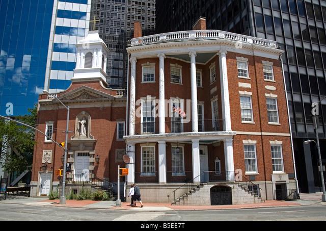 Schrein von Saint Elizabeth Anne Sexton und Wolkenkratzer, Lower Manhattan, New York City, New York, USA, Nordamerika Stockbild