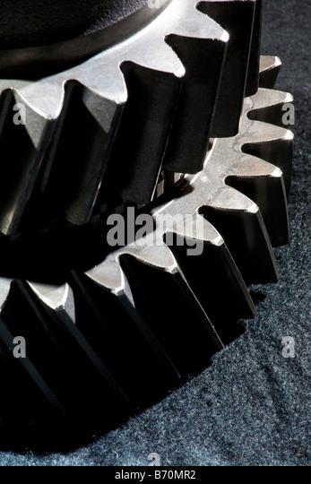 Artistic Nahaufnahme von Metall Zahnräder aus einem Kfz-Motor Stockbild